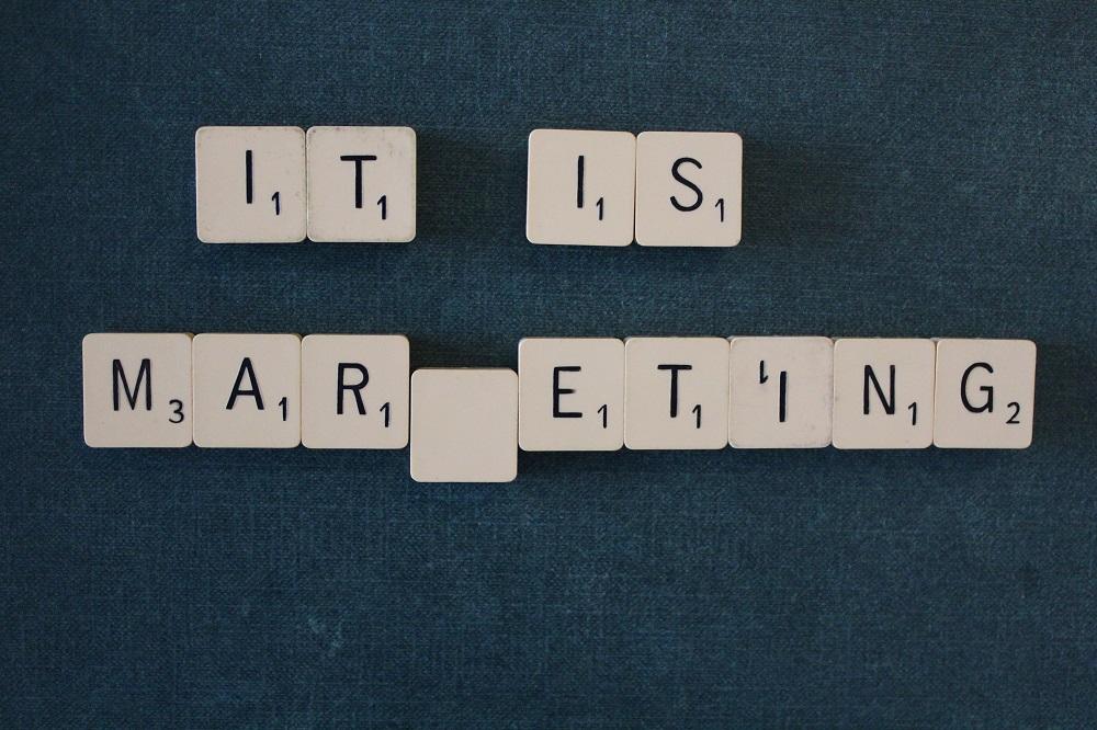 Przegląd marketingowy #1 – strategia, trendy, marketing w małej firmie i startupie